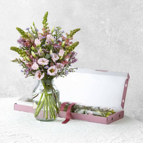 Bloom & Wild image